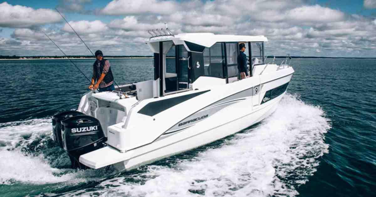 Comment choisir un bateau à moteur?