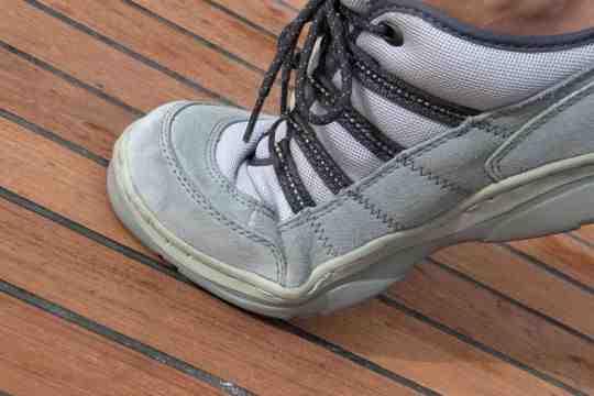 Et les chaussures sur un bateau?