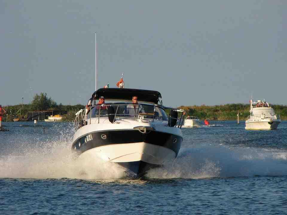 Quel bateau a un permis côtier?