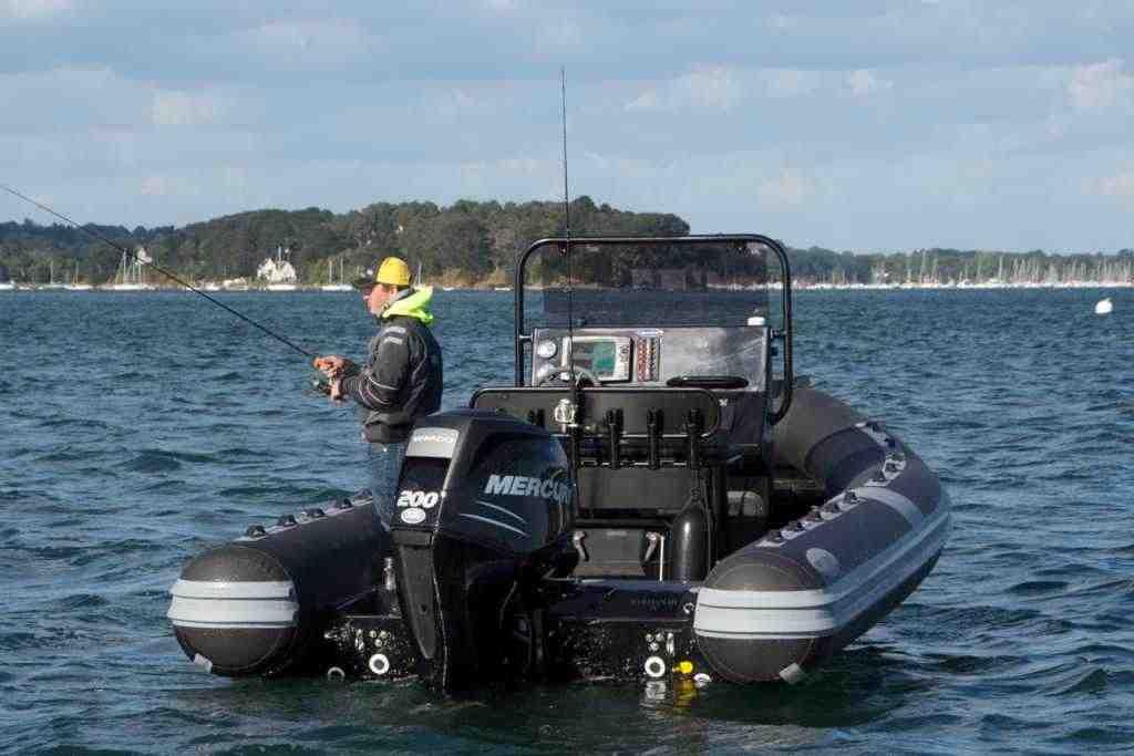 Quel semi-rigide choisir pour la pêche?