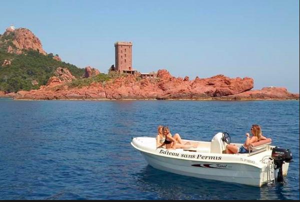 Comment louer un bateau sans permis?