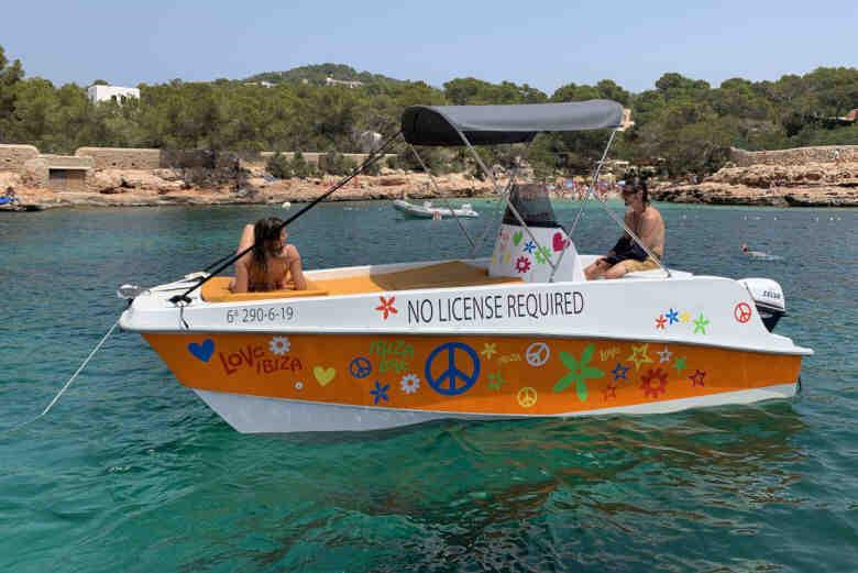 Quel bateau éloigné sans permis?