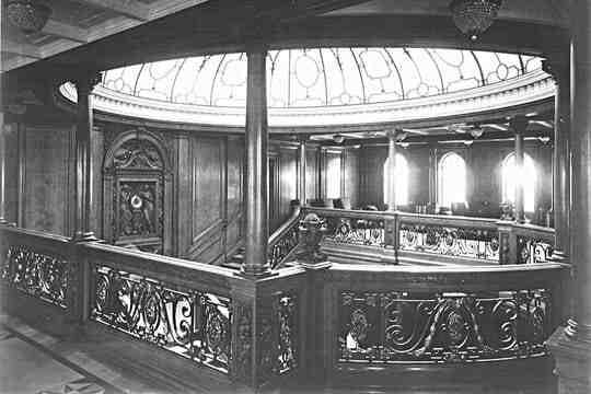 Quel est le nom du navire jumeau du Titanic?