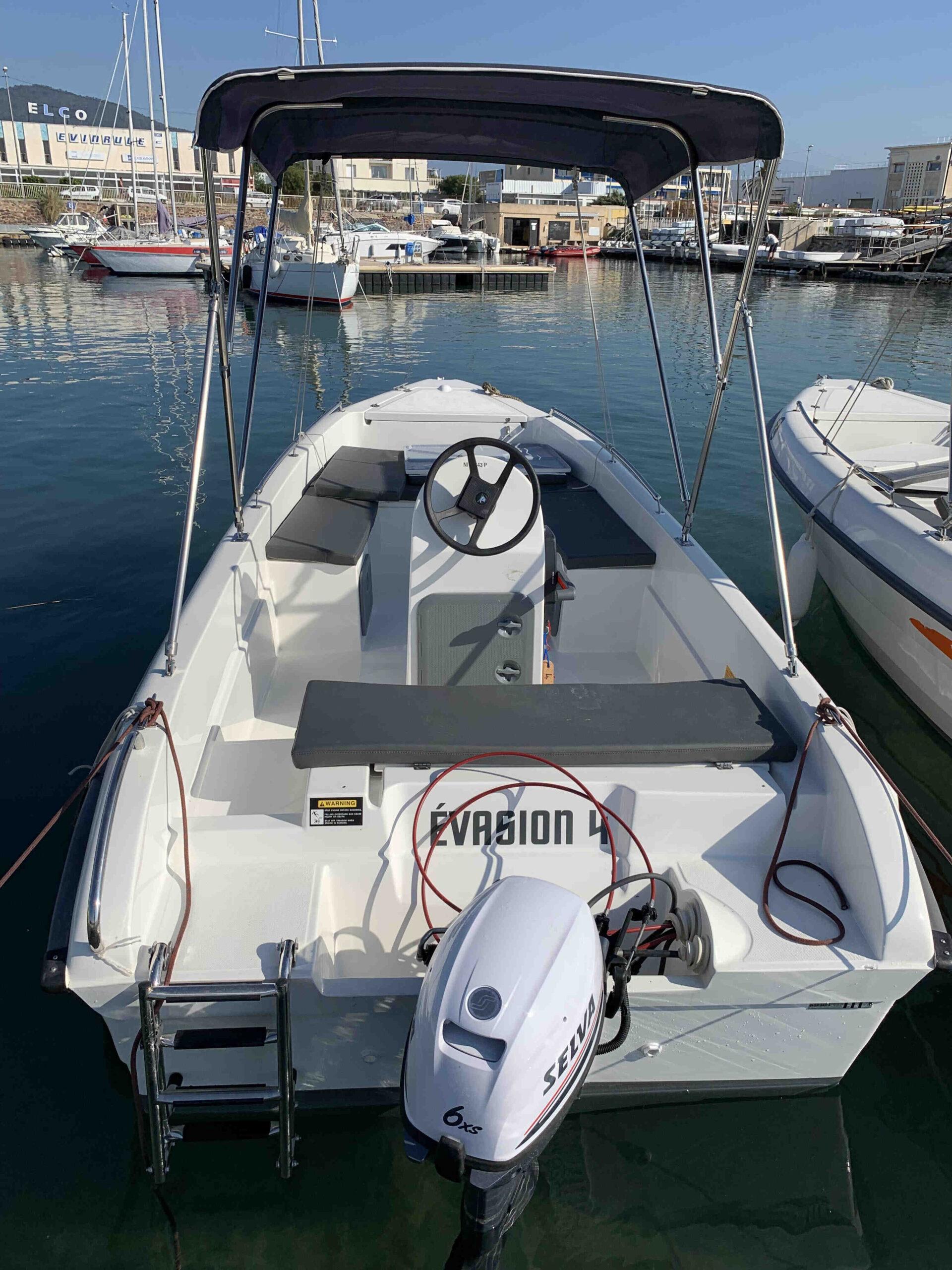 Quelle licence pour un bateau à moteur?