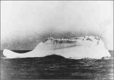 Qui a coulé le Titanic?