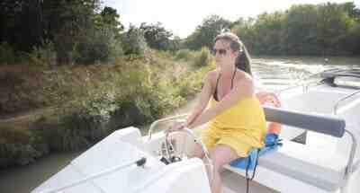 Comment conduire un petit bateau?