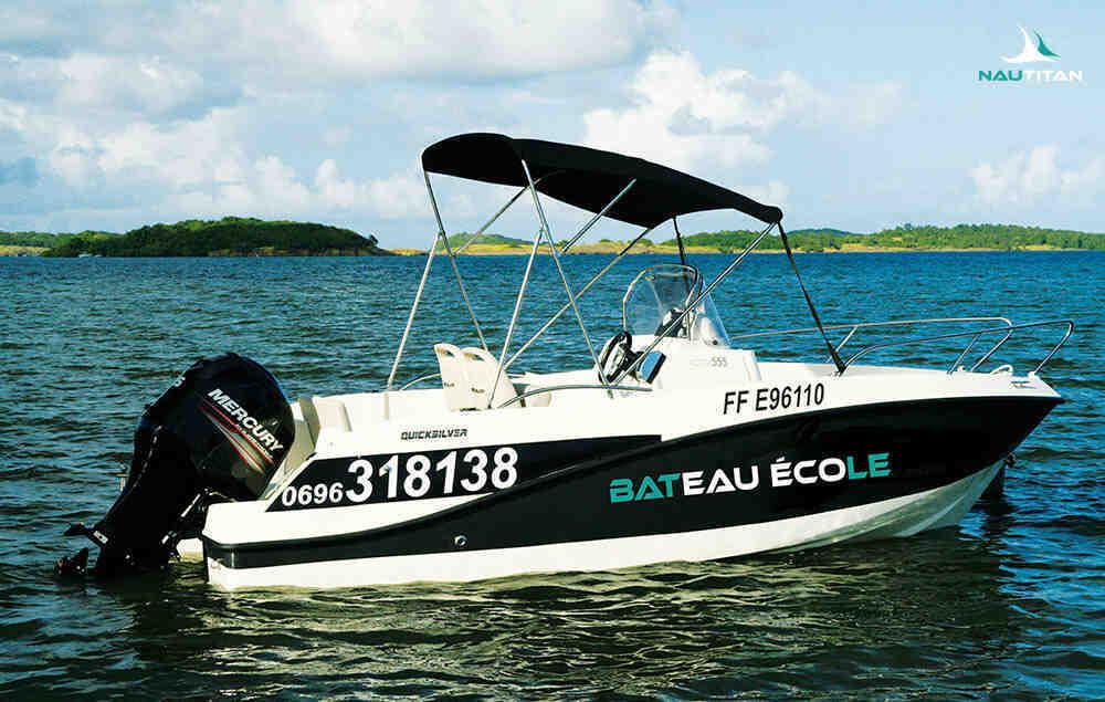 Quelle puissance moteur pour un bateau sans permis?
